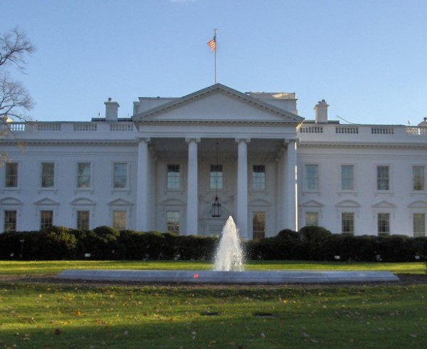 A Variety of Homes for White House Contenders